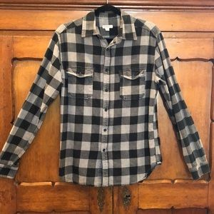 🍁EUC Men's Gray & Black Flannel Button Down Shirt